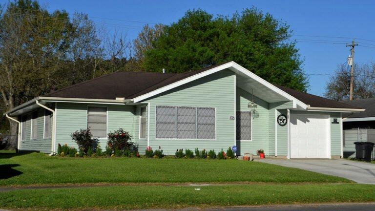 Mini Warehouse Garage Door Maintenance And Repair