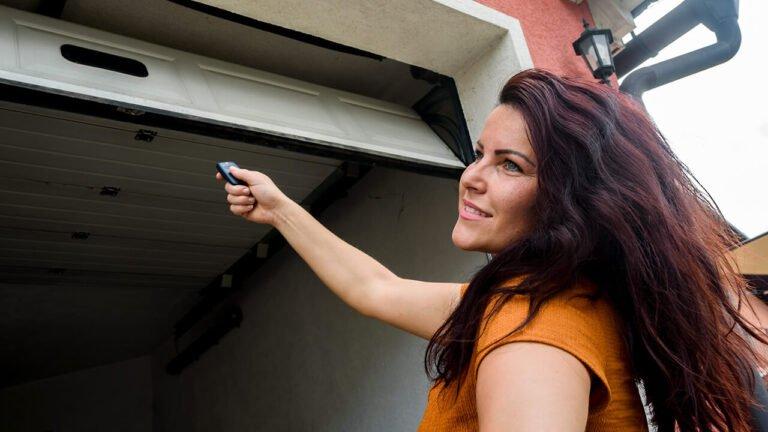 Wi-fi-connected Garage Door